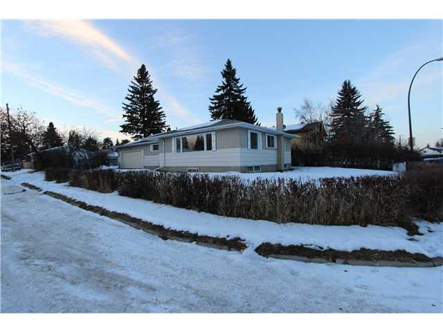 Main Photo: 929 38 Street SE in Calgary: Forest Lawn Residential Detached Single Family for sale : MLS®# C3644040