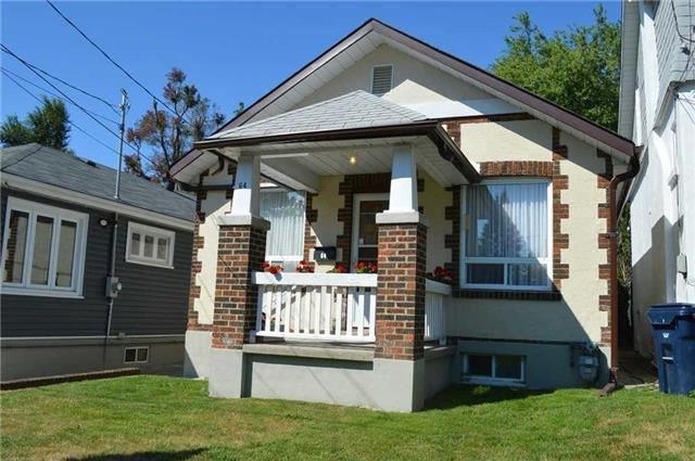 Main Photo: 64 Valhalla Boulevard in Toronto: Birchcliffe-Cliffside House (Bungalow) for sale (Toronto E06)  : MLS®# E3284548