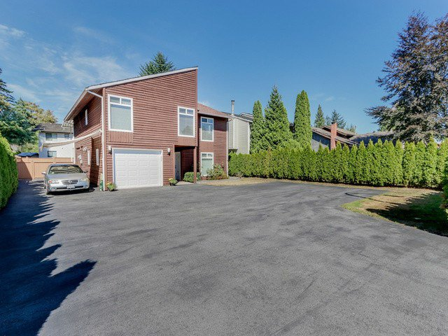"Main Photo: 2953 DEWDNEY TRUNK Road in Coquitlam: Meadow Brook House for sale in ""MEADOWBROOK"" : MLS®# V1140199"