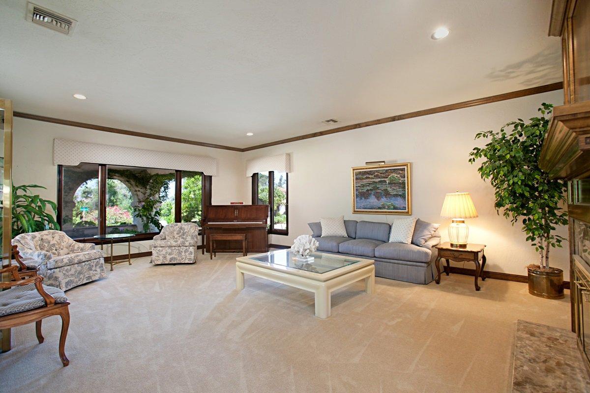 Photo 8: Photos: RANCHO BERNARDO House for sale : 5 bedrooms : 18715 BERNARDO TRAILS DRIVE in San Diego