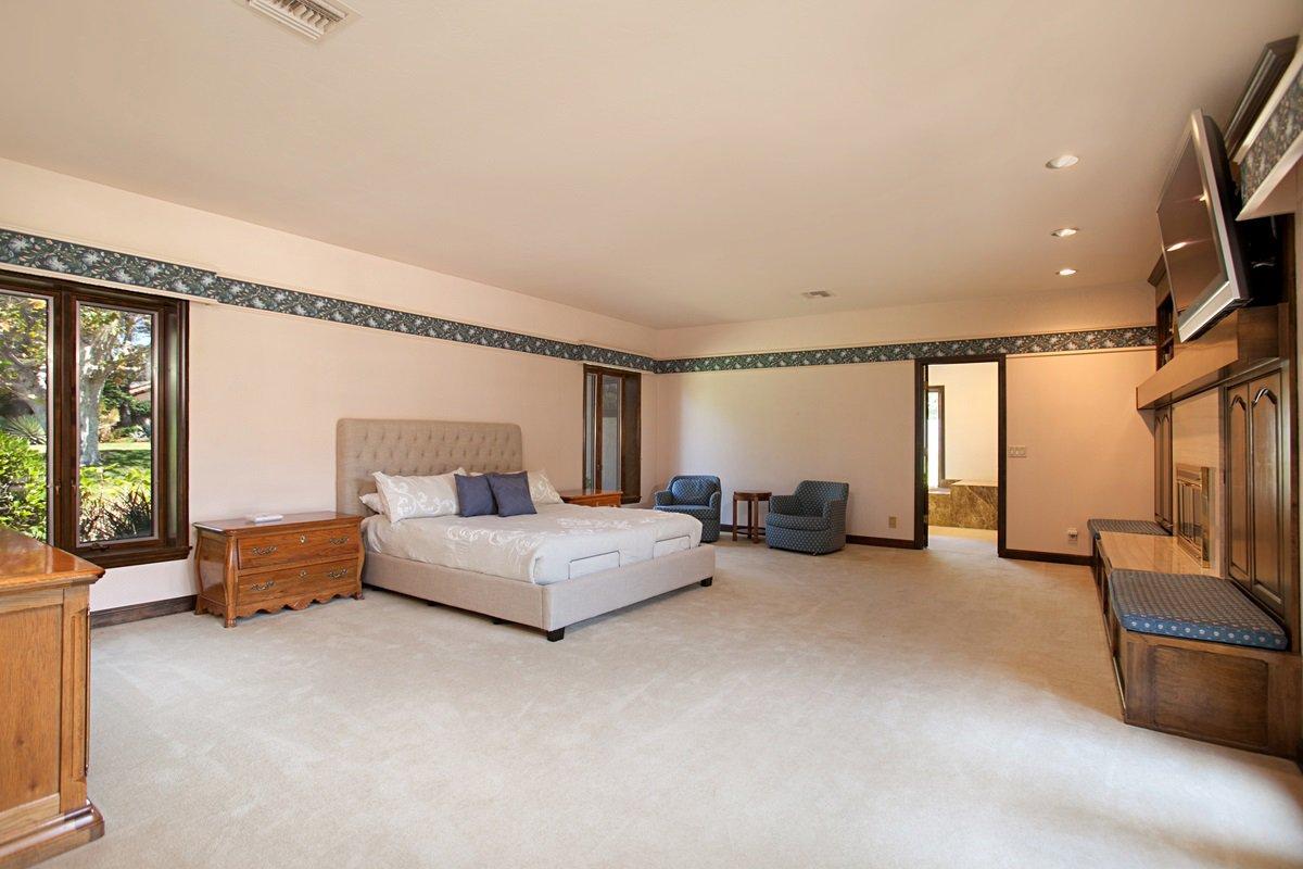 Photo 15: Photos: RANCHO BERNARDO House for sale : 5 bedrooms : 18715 BERNARDO TRAILS DRIVE in San Diego