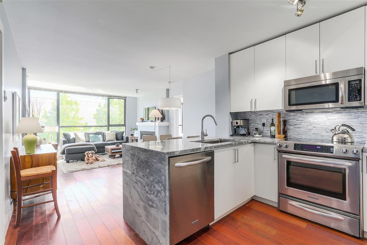 """Main Photo: 405 2036 W 10TH Avenue in Vancouver: Kitsilano Condo for sale in """"TENALI"""" (Vancouver West)  : MLS®# R2101811"""