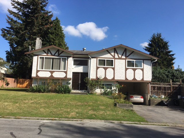 Main Photo: 9099 ALEXANDRIA Crescent in Surrey: Queen Mary Park Surrey House for sale : MLS®# R2112588