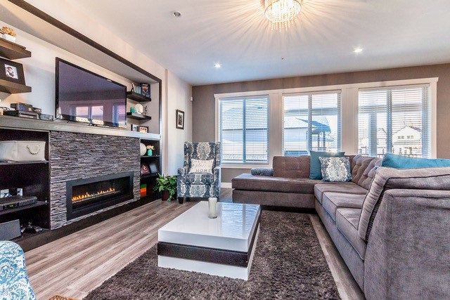 """Main Photo: 4339 N AUGUSTON Parkway in Abbotsford: Central Abbotsford House for sale in """"AUGUSTON"""" : MLS®# R2137485"""