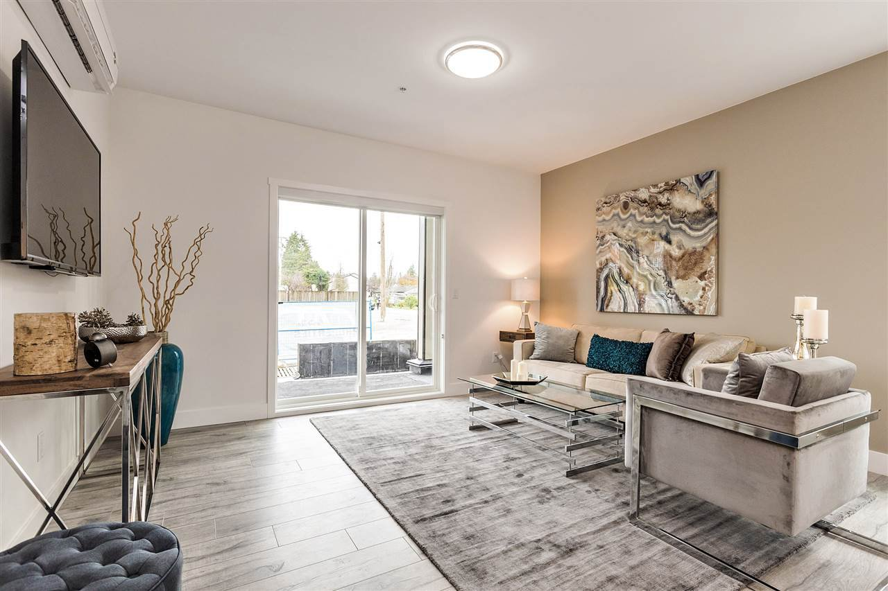 """Main Photo: 204 12310 222 Street in Maple Ridge: West Central Condo for sale in """"THE 222"""" : MLS®# R2149772"""