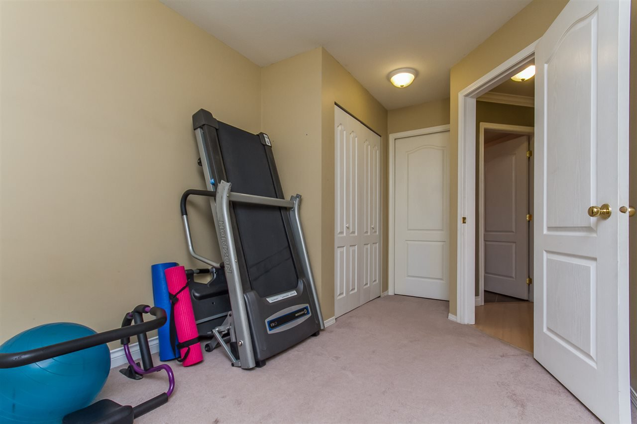 "Photo 16: Photos: 205 33728 KING Road in Abbotsford: Poplar Condo for sale in ""College Park"" : MLS®# R2150276"