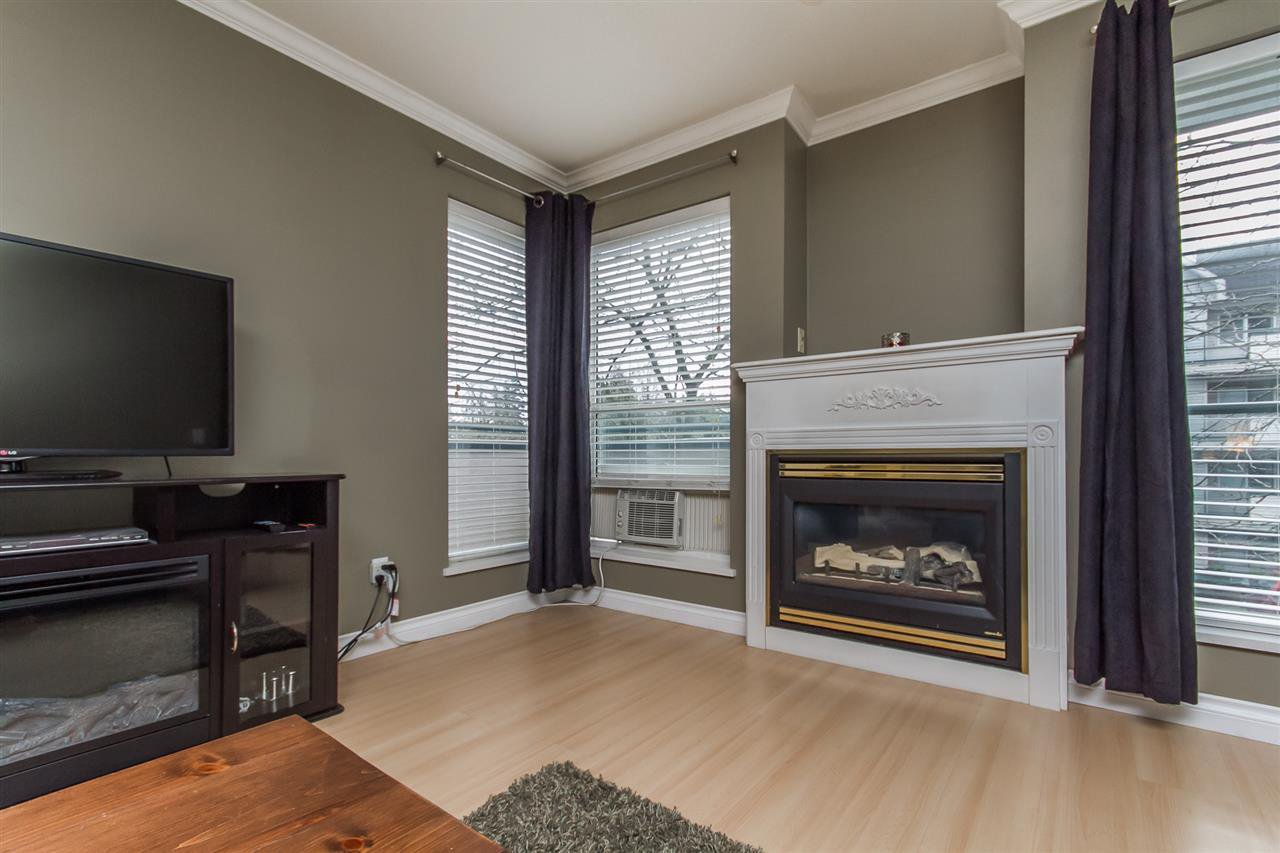 "Photo 6: Photos: 205 33728 KING Road in Abbotsford: Poplar Condo for sale in ""College Park"" : MLS®# R2150276"