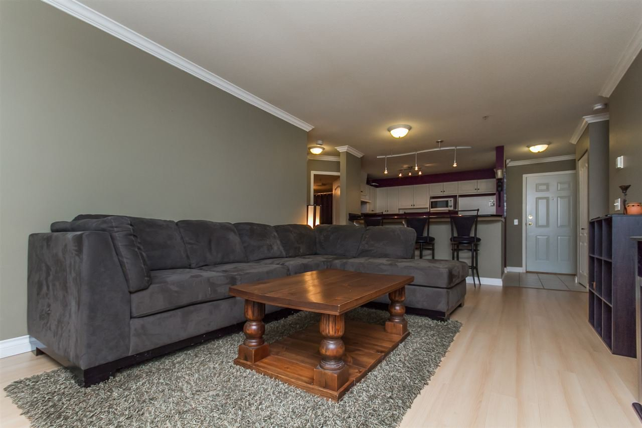 "Photo 3: Photos: 205 33728 KING Road in Abbotsford: Poplar Condo for sale in ""College Park"" : MLS®# R2150276"