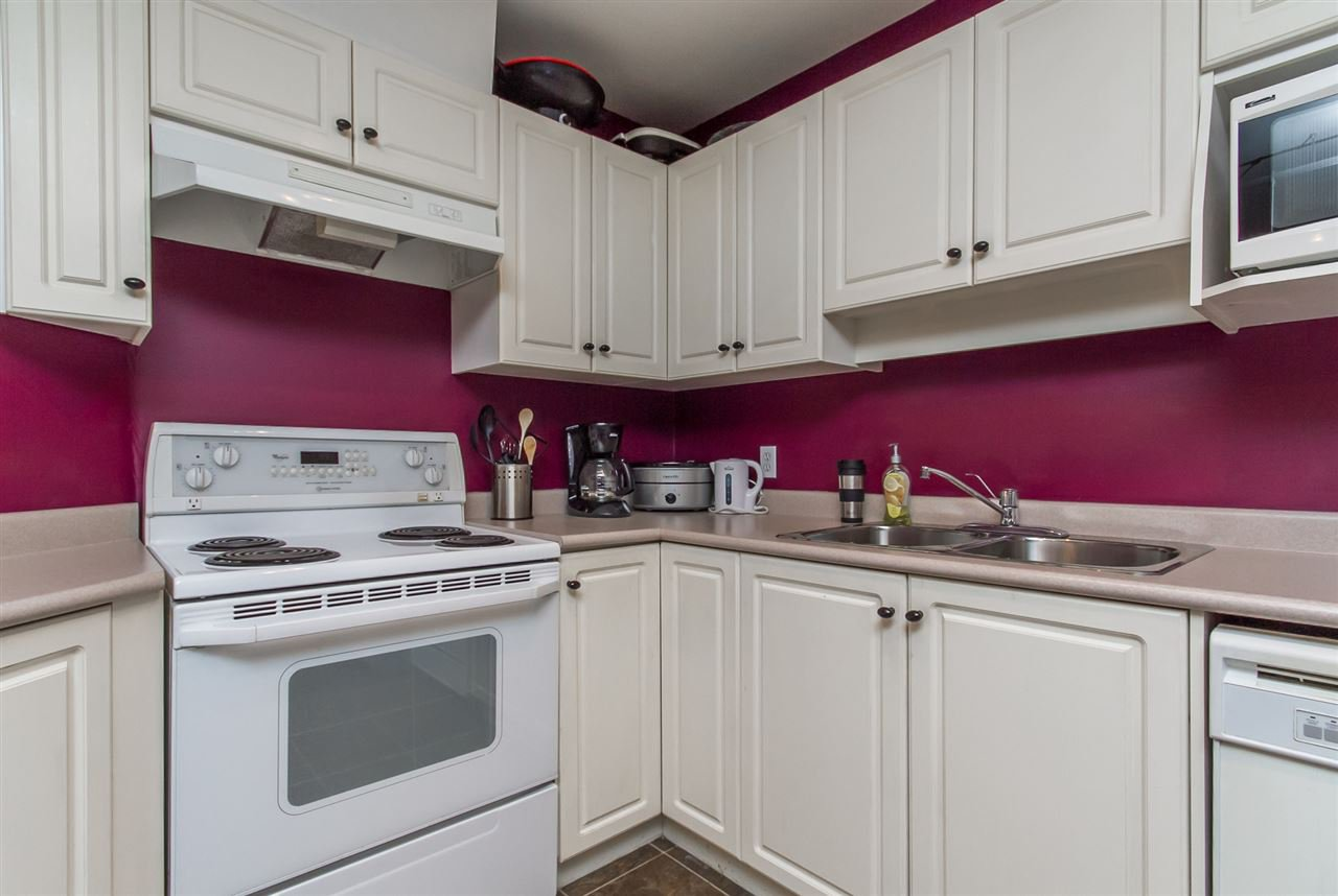 "Photo 10: Photos: 205 33728 KING Road in Abbotsford: Poplar Condo for sale in ""College Park"" : MLS®# R2150276"