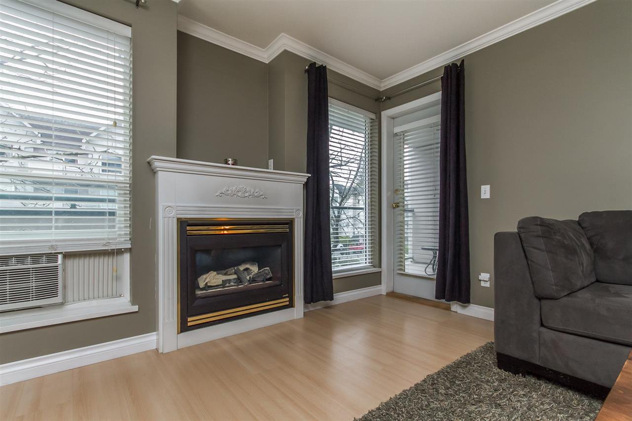 "Photo 5: Photos: 205 33728 KING Road in Abbotsford: Poplar Condo for sale in ""College Park"" : MLS®# R2150276"