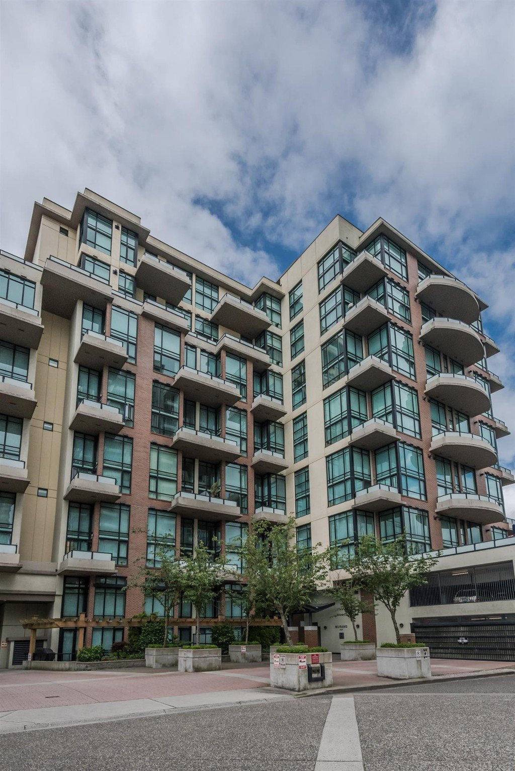 "Main Photo: 509 10 RENAISSANCE Square in New Westminster: Quay Condo for sale in ""MURANO LOFTS"" : MLS®# R2177517"