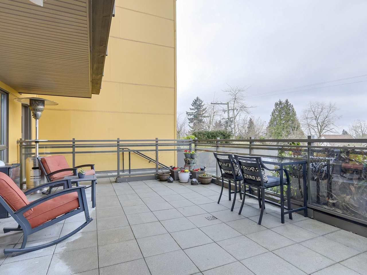 Main Photo: 201 222 E 30TH AVENUE in Vancouver: Main Condo for sale (Vancouver East)  : MLS®# R2239448