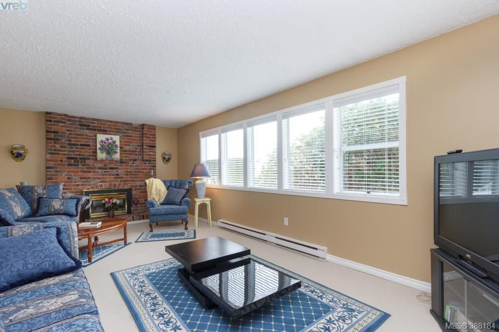 Photo 11: Photos: 8850 Moresby Park Terr in NORTH SAANICH: NS Dean Park House for sale (North Saanich)  : MLS®# 780144