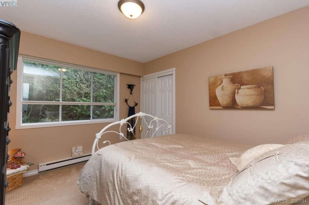 Photo 14: Photos: 8850 Moresby Park Terr in NORTH SAANICH: NS Dean Park House for sale (North Saanich)  : MLS®# 780144
