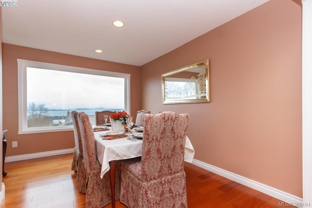 Photo 9: Photos: 8850 Moresby Park Terr in NORTH SAANICH: NS Dean Park House for sale (North Saanich)  : MLS®# 780144