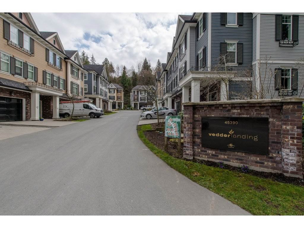 """Main Photo: 27 45390 VEDDER MOUNTAIN Road: Cultus Lake Townhouse for sale in """"VEDDER LANDING"""" : MLS®# R2251979"""