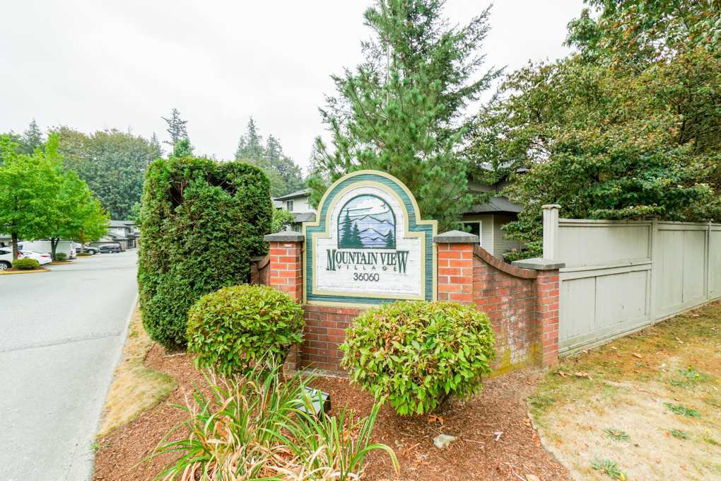 """Main Photo: 20 36060 OLD YALE Road in Abbotsford: Abbotsford East Townhouse for sale in """"Mountain Village"""" : MLS®# R2299387"""
