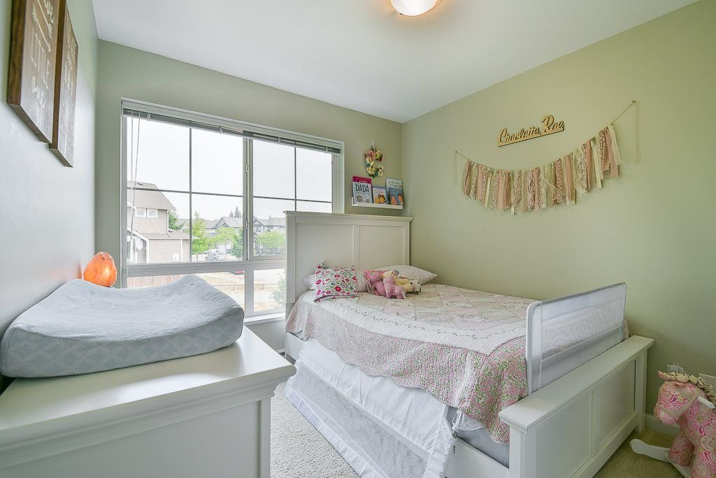 """Photo 13: Photos: 44 19505 68A Avenue in Surrey: Clayton Townhouse for sale in """"Clayton Rise"""" (Cloverdale)  : MLS®# R2299619"""