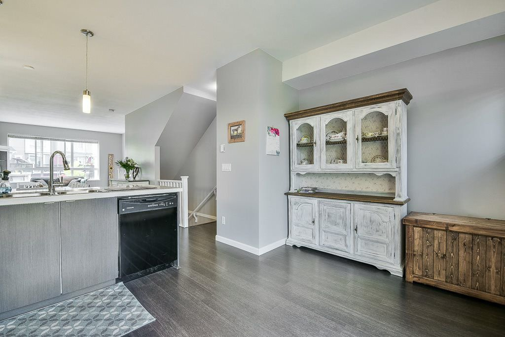 """Photo 4: Photos: 44 19505 68A Avenue in Surrey: Clayton Townhouse for sale in """"Clayton Rise"""" (Cloverdale)  : MLS®# R2299619"""