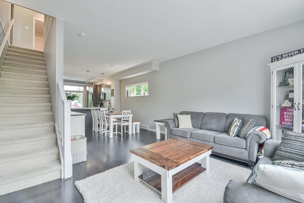 """Photo 7: Photos: 44 19505 68A Avenue in Surrey: Clayton Townhouse for sale in """"Clayton Rise"""" (Cloverdale)  : MLS®# R2299619"""