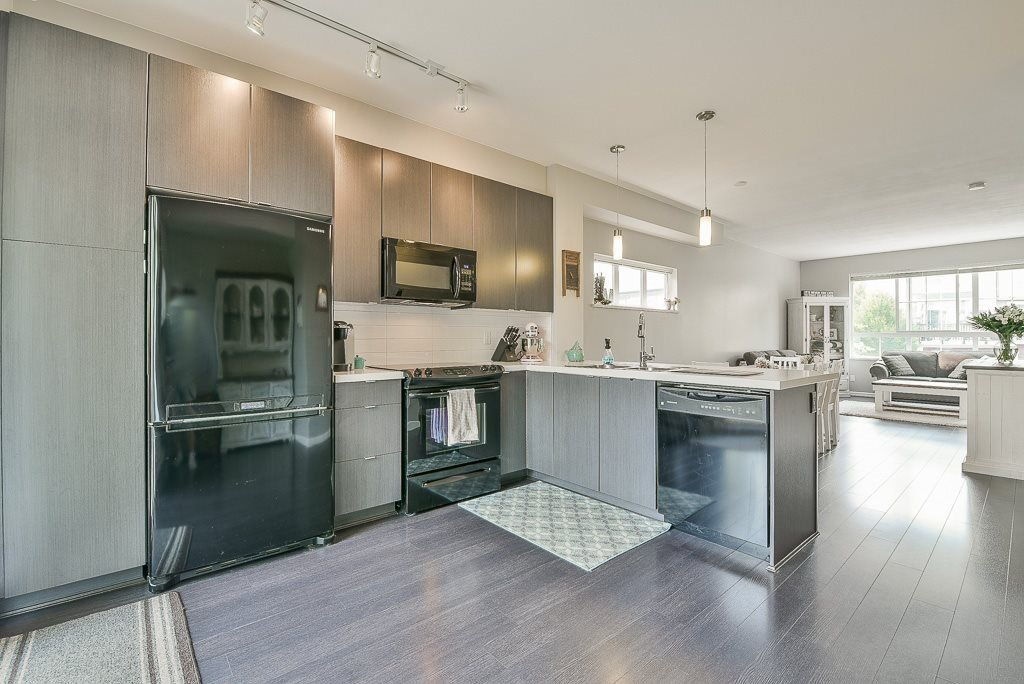 """Photo 2: Photos: 44 19505 68A Avenue in Surrey: Clayton Townhouse for sale in """"Clayton Rise"""" (Cloverdale)  : MLS®# R2299619"""