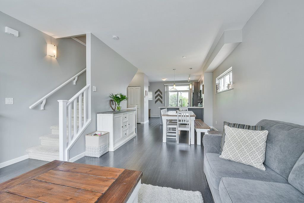 """Photo 6: Photos: 44 19505 68A Avenue in Surrey: Clayton Townhouse for sale in """"Clayton Rise"""" (Cloverdale)  : MLS®# R2299619"""