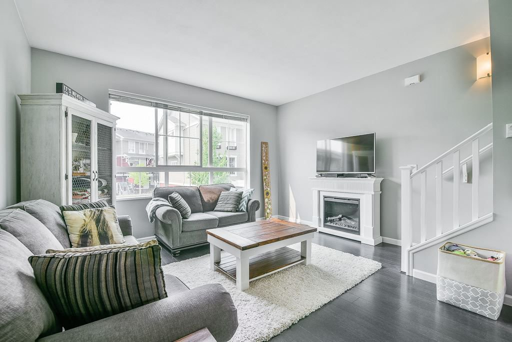 """Photo 5: Photos: 44 19505 68A Avenue in Surrey: Clayton Townhouse for sale in """"Clayton Rise"""" (Cloverdale)  : MLS®# R2299619"""