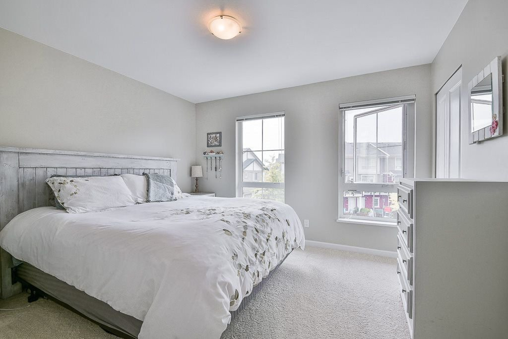 """Photo 10: Photos: 44 19505 68A Avenue in Surrey: Clayton Townhouse for sale in """"Clayton Rise"""" (Cloverdale)  : MLS®# R2299619"""
