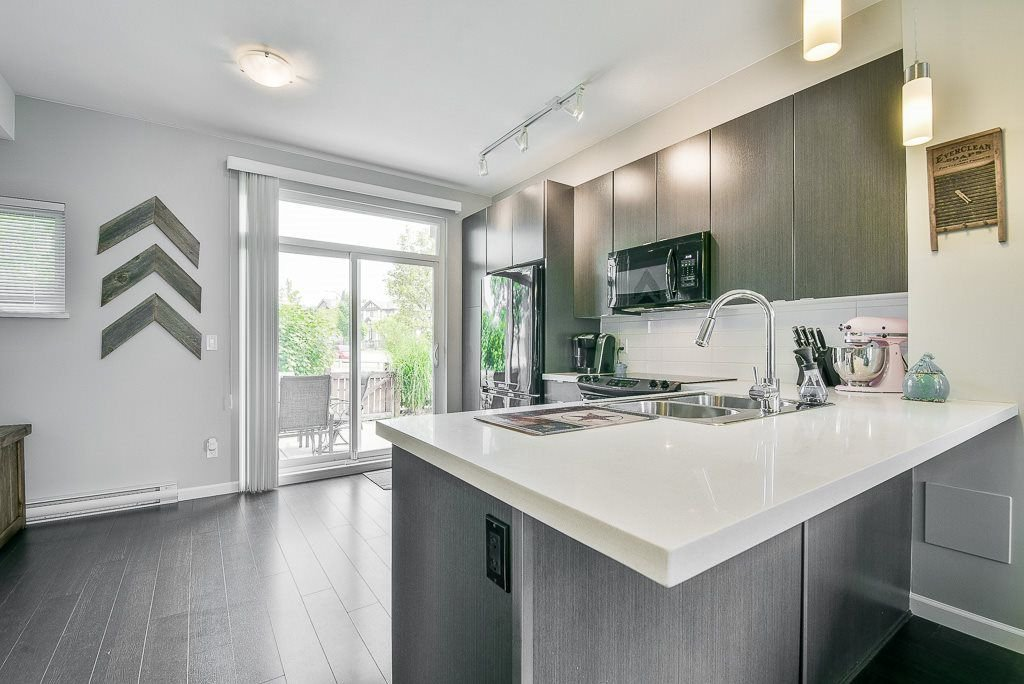 """Photo 3: Photos: 44 19505 68A Avenue in Surrey: Clayton Townhouse for sale in """"Clayton Rise"""" (Cloverdale)  : MLS®# R2299619"""