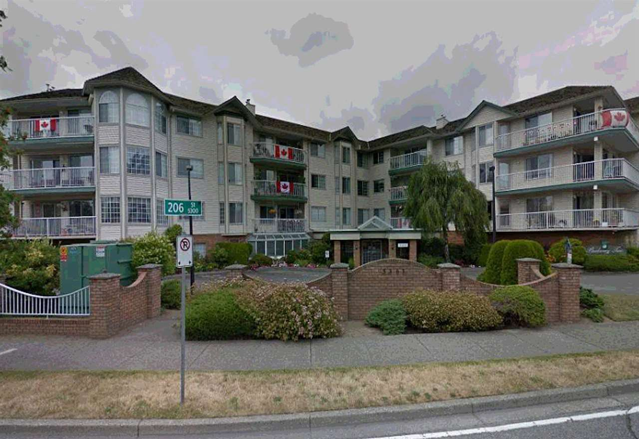 """Photo 2: Photos: 106 5363 206 Street in Langley: Langley City Condo for sale in """"Parkway II"""" : MLS®# R2332747"""