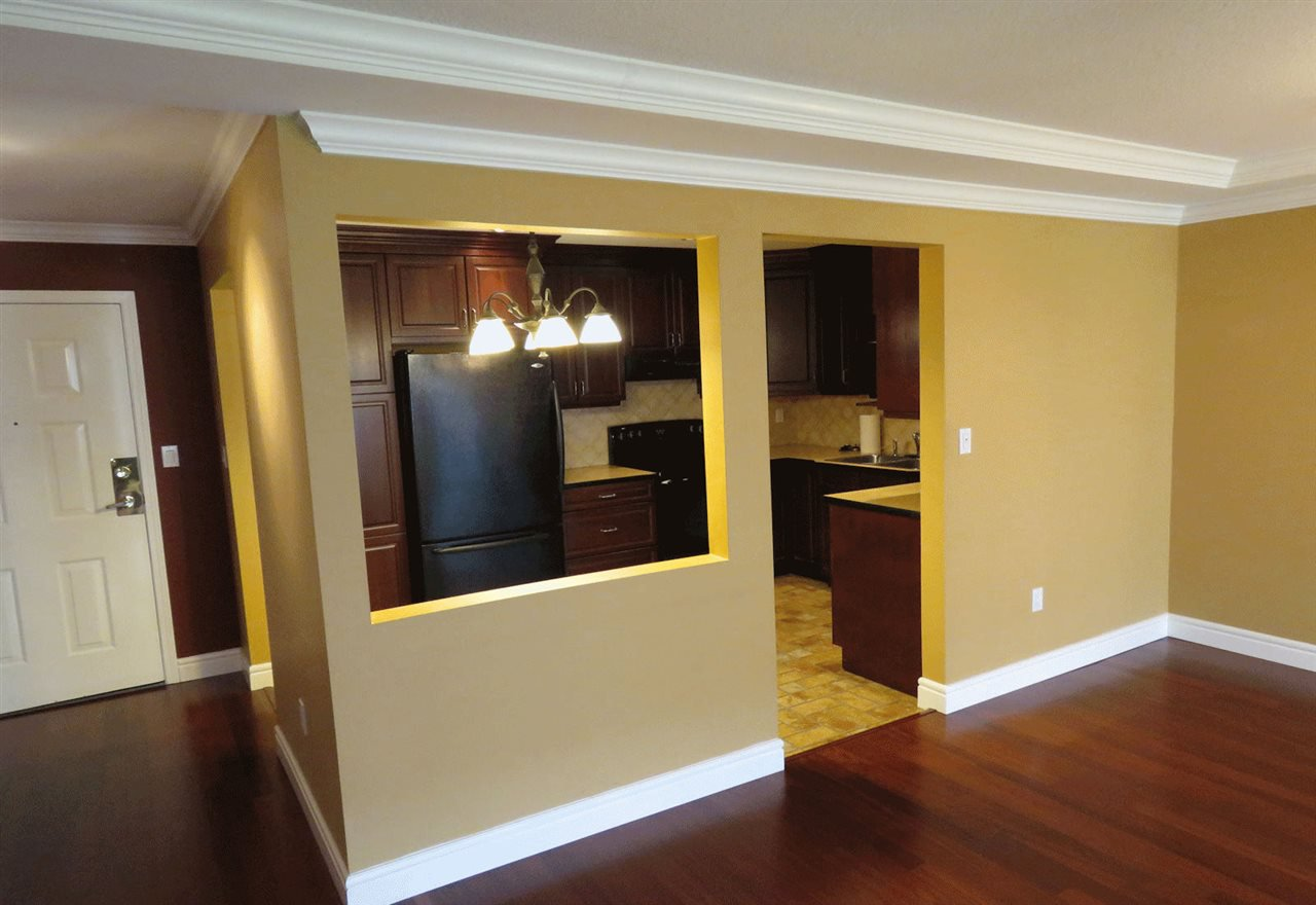 """Photo 9: Photos: 106 5363 206 Street in Langley: Langley City Condo for sale in """"Parkway II"""" : MLS®# R2332747"""
