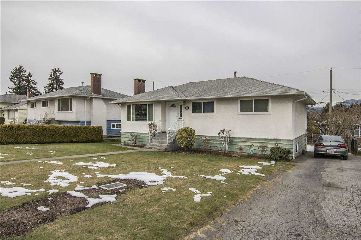 Main Photo: 5735 LAUREL Street in Burnaby: Central BN House for sale (Burnaby North)  : MLS®# R2343643
