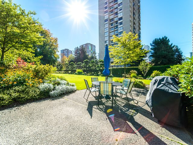 """Main Photo: 1506 1740 COMOX Street in Vancouver: West End VW Condo for sale in """"SANDPIPER"""" (Vancouver West)  : MLS®# R2345085"""