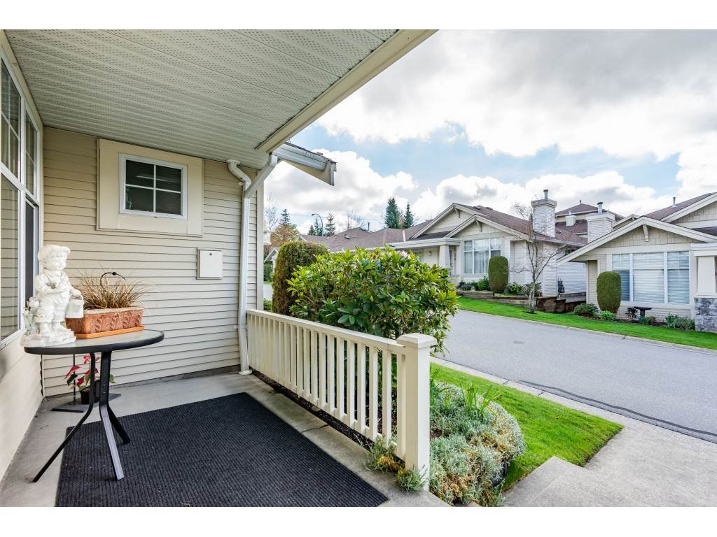 "Photo 2: Photos: 62 20751 87 Avenue in Langley: Walnut Grove Townhouse for sale in ""Summerfield"" : MLS®# R2359511"