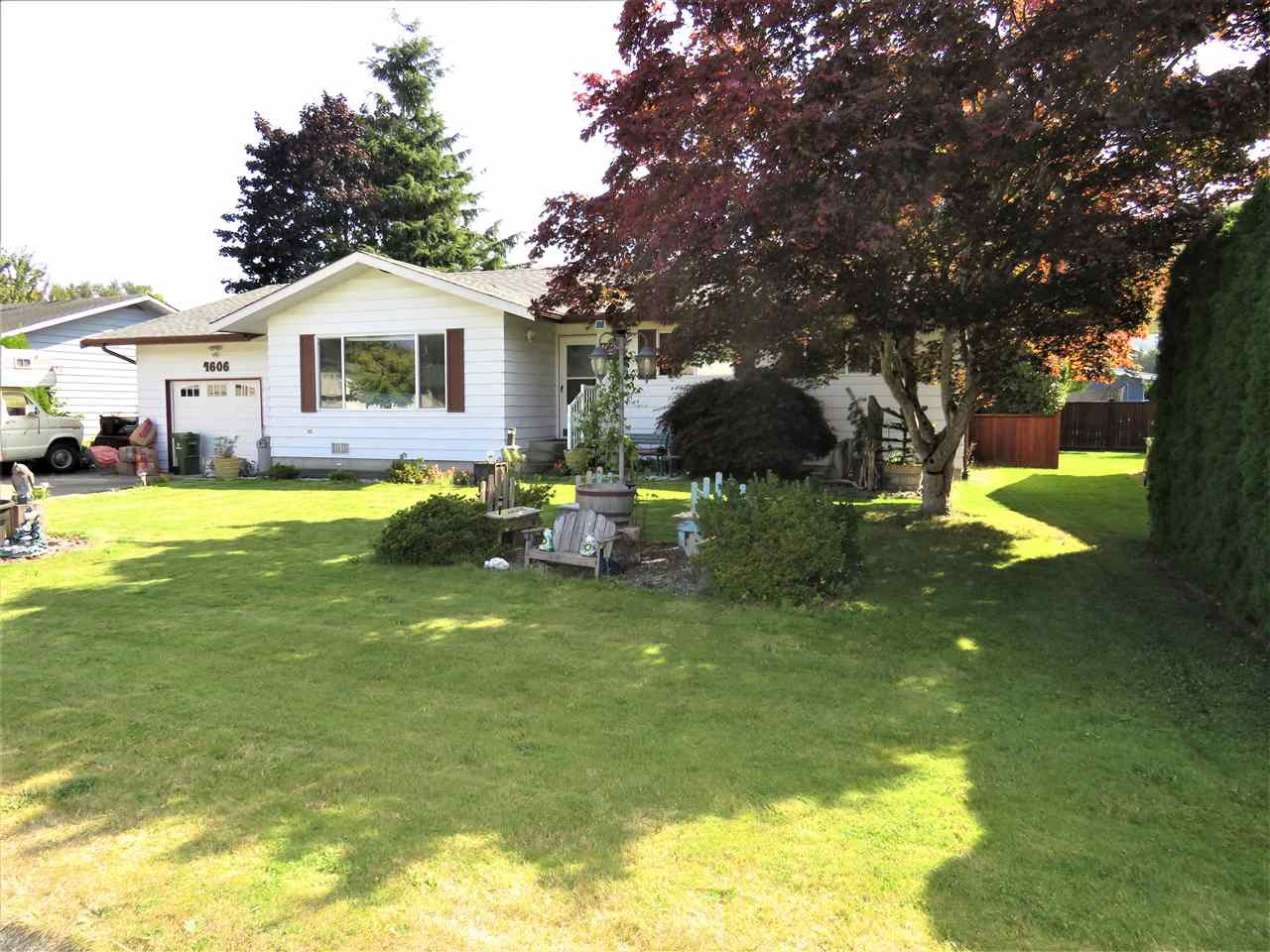 "Main Photo: 4606 HARDER Road: Yarrow House for sale in ""Yarrow"" : MLS®# R2397410"