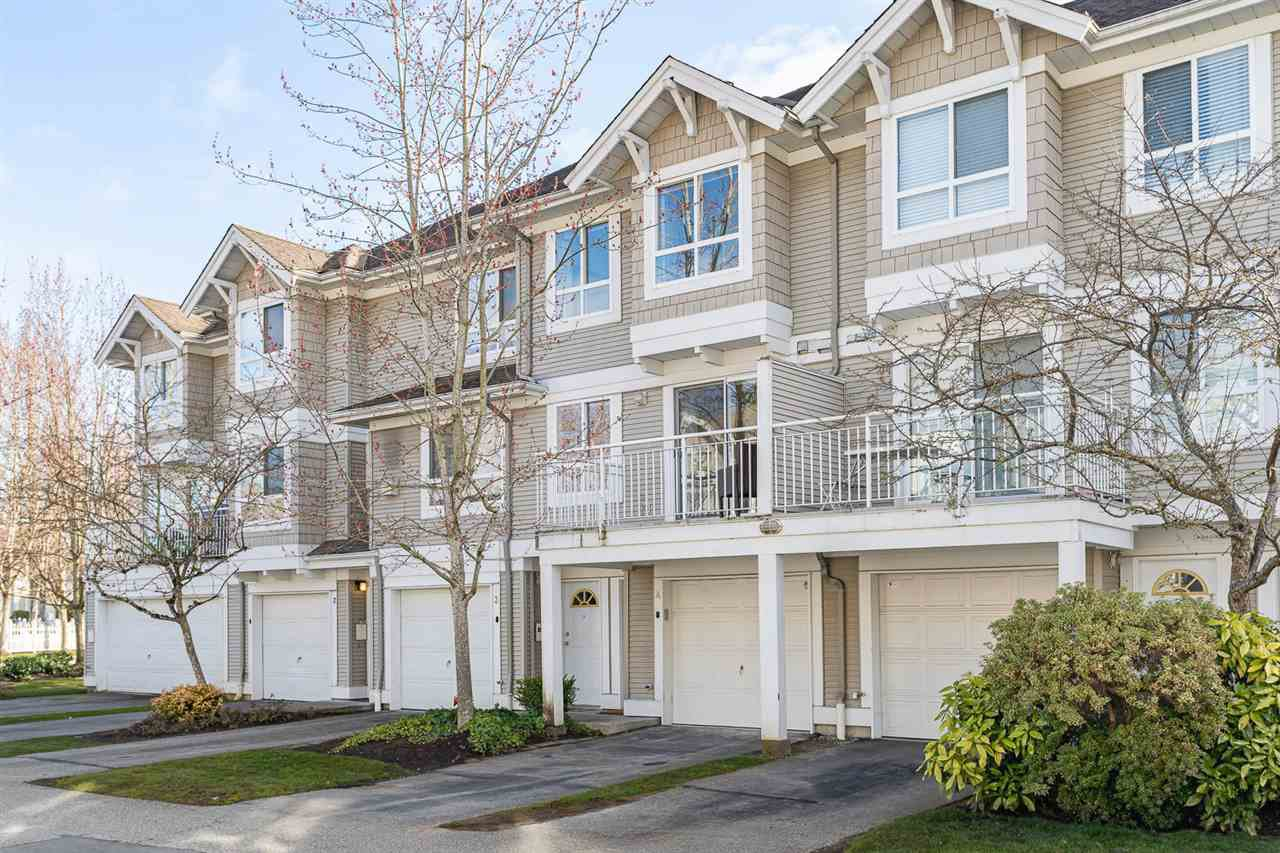 """Main Photo: 4 20890 57 Avenue in Langley: Langley City Townhouse for sale in """"Aspen Gables"""" : MLS®# R2457097"""