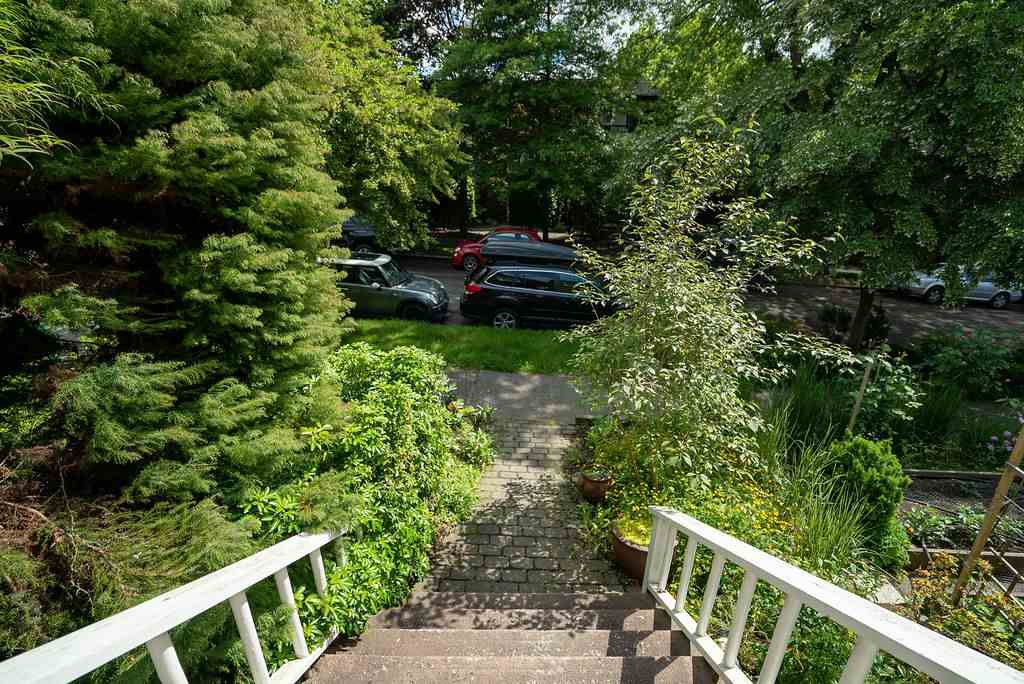 Photo 36: Photos: 2243 OXFORD Street in Vancouver: Hastings House for sale (Vancouver East)  : MLS®# R2463567