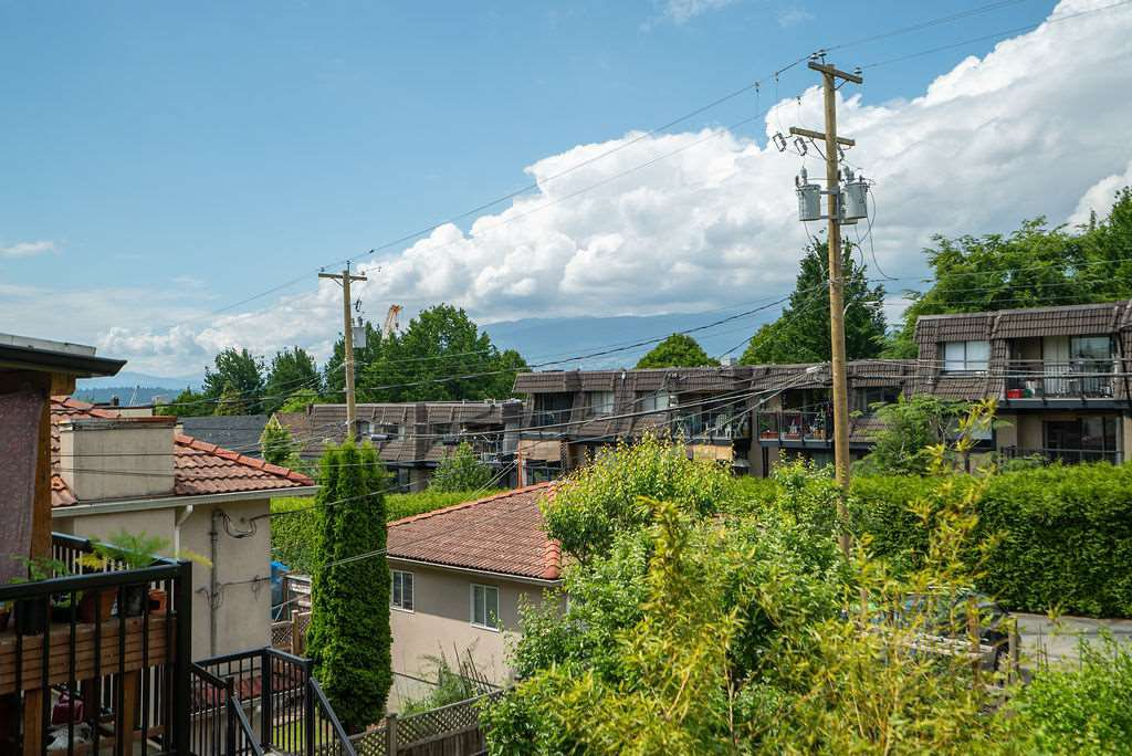Photo 27: Photos: 2243 OXFORD Street in Vancouver: Hastings House for sale (Vancouver East)  : MLS®# R2463567