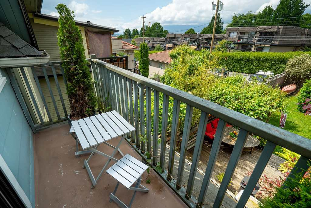 Photo 14: Photos: 2243 OXFORD Street in Vancouver: Hastings House for sale (Vancouver East)  : MLS®# R2463567