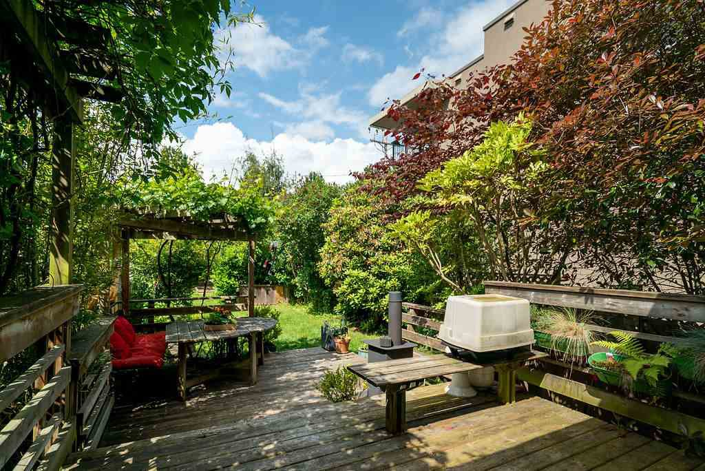 Photo 23: Photos: 2243 OXFORD Street in Vancouver: Hastings House for sale (Vancouver East)  : MLS®# R2463567