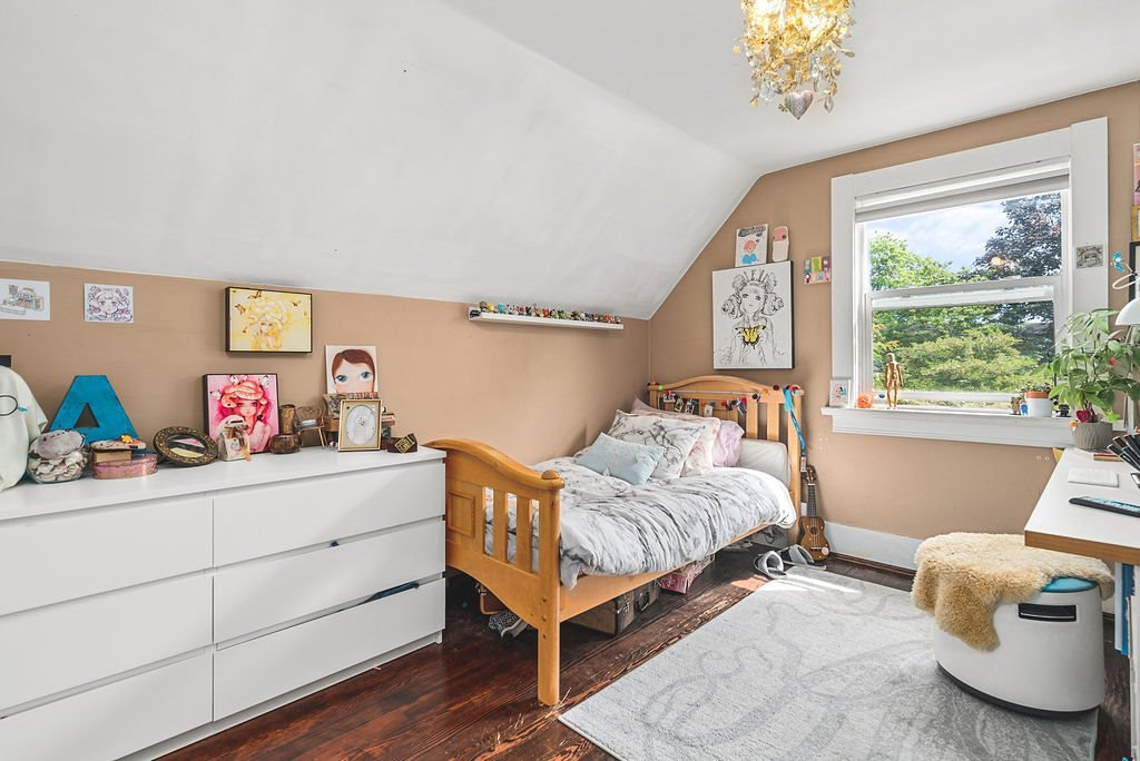 Photo 18: Photos: 2243 OXFORD Street in Vancouver: Hastings House for sale (Vancouver East)  : MLS®# R2463567