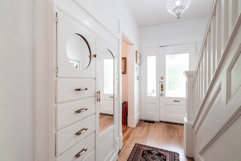 Photo 3: Photos: 2243 OXFORD Street in Vancouver: Hastings House for sale (Vancouver East)  : MLS®# R2463567
