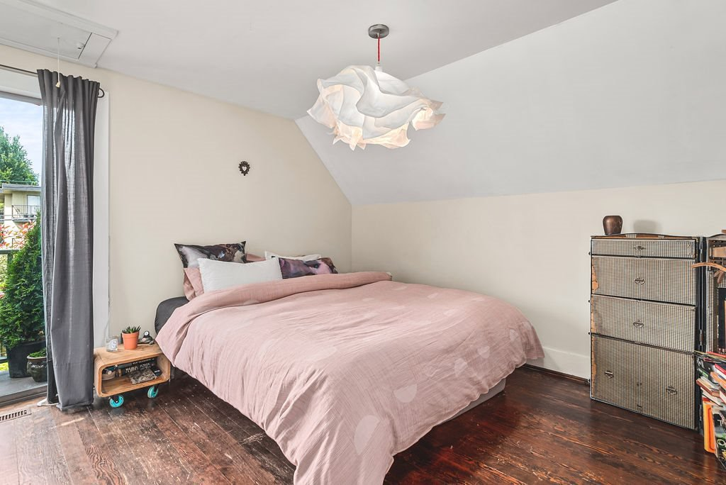 Photo 12: Photos: 2243 OXFORD Street in Vancouver: Hastings House for sale (Vancouver East)  : MLS®# R2463567
