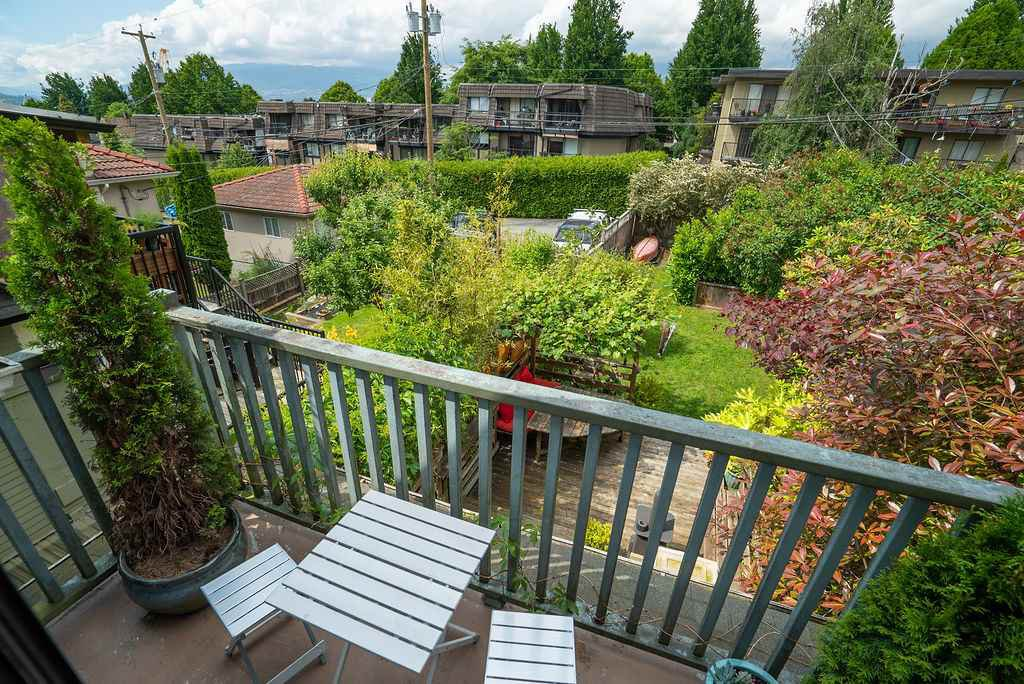 Photo 15: Photos: 2243 OXFORD Street in Vancouver: Hastings House for sale (Vancouver East)  : MLS®# R2463567