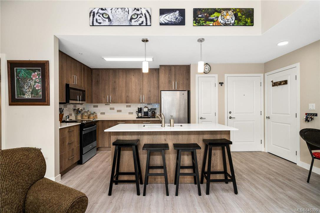 Main Photo: 303 100 Presley Pl in : VR Six Mile Condo for sale (View Royal)  : MLS®# 845390