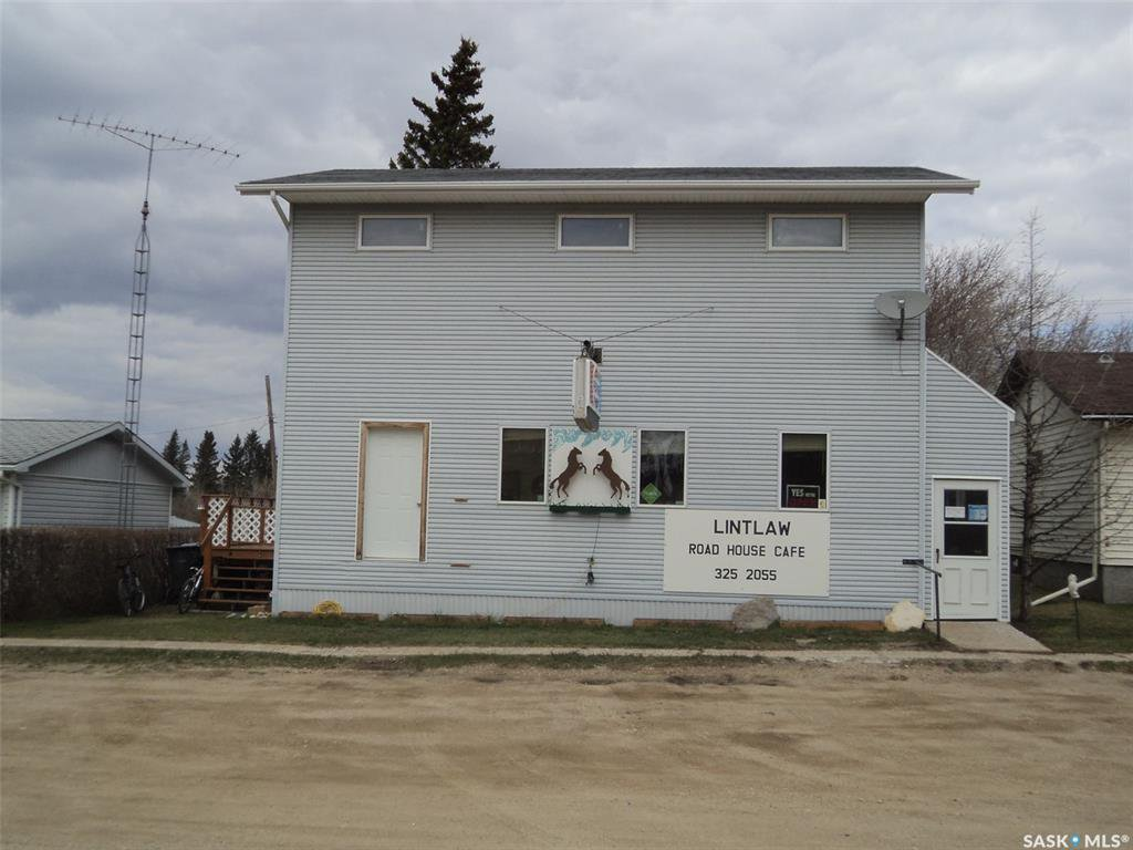 Main Photo: 108 1st Avenue West in Lintlaw: Commercial for sale : MLS®# SK818302