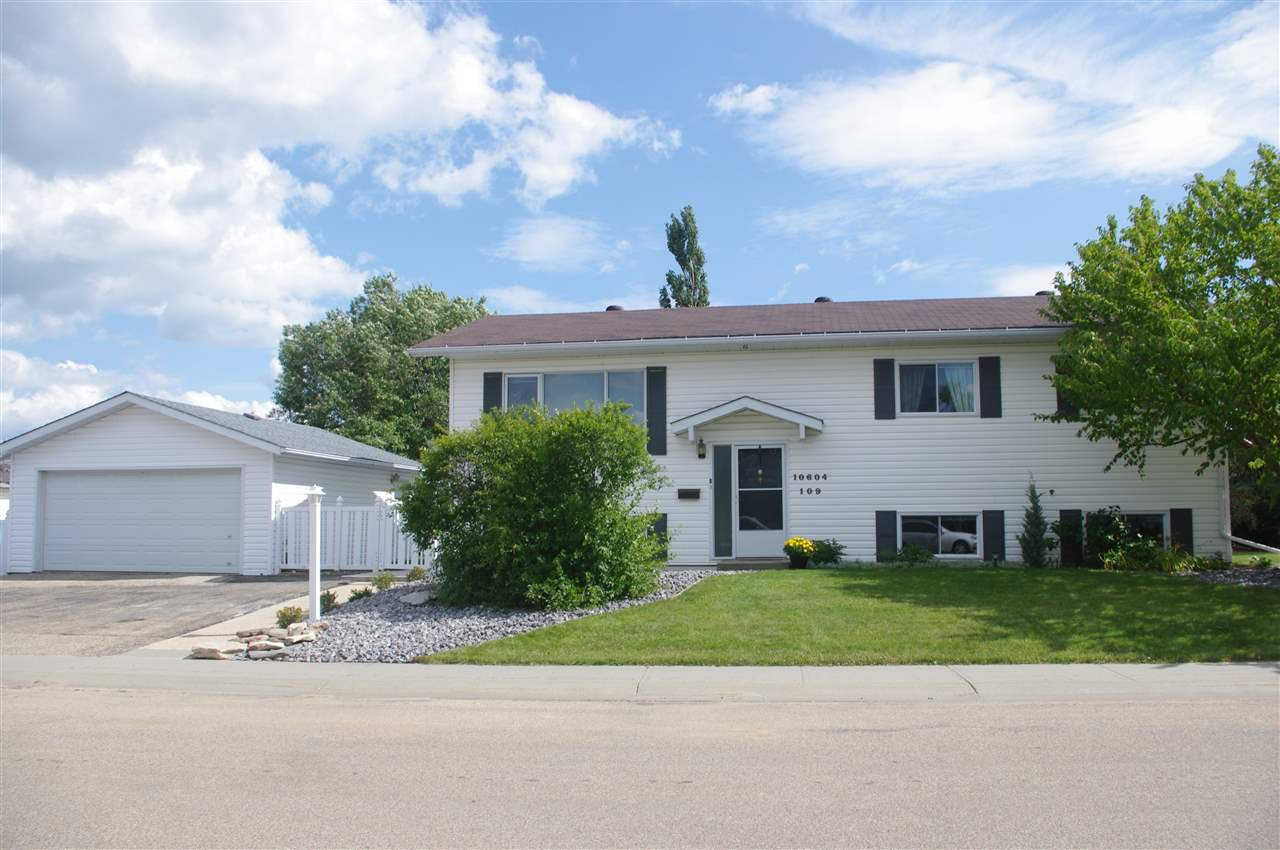 Main Photo: 10604 109 St: Westlock House for sale : MLS®# E4210293