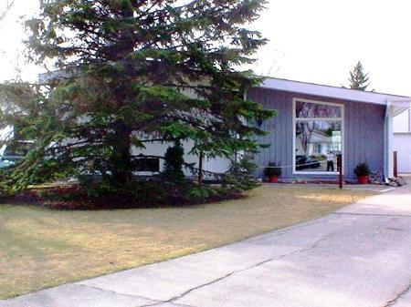 Main Photo: 29 Fieldstone Bay: Residential for sale (Crestview)  : MLS®# 2605258