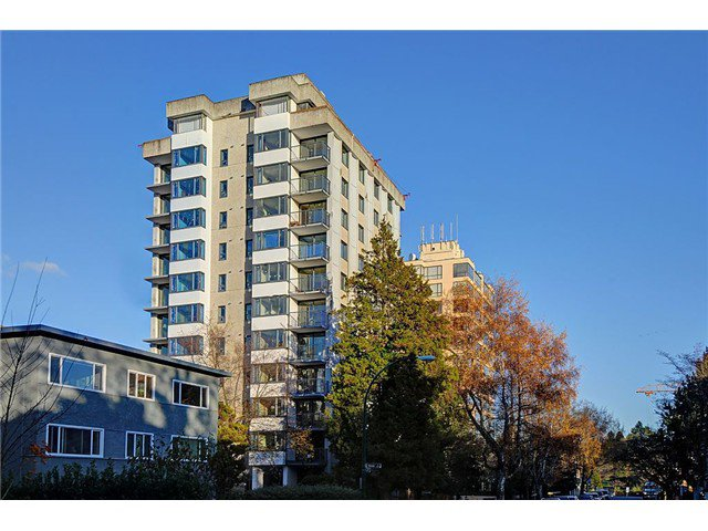 """Main Photo: 1101 2165 W 40TH Avenue in Vancouver: Kerrisdale Condo for sale in """"THE VERONICA"""" (Vancouver West)  : MLS®# V1036876"""