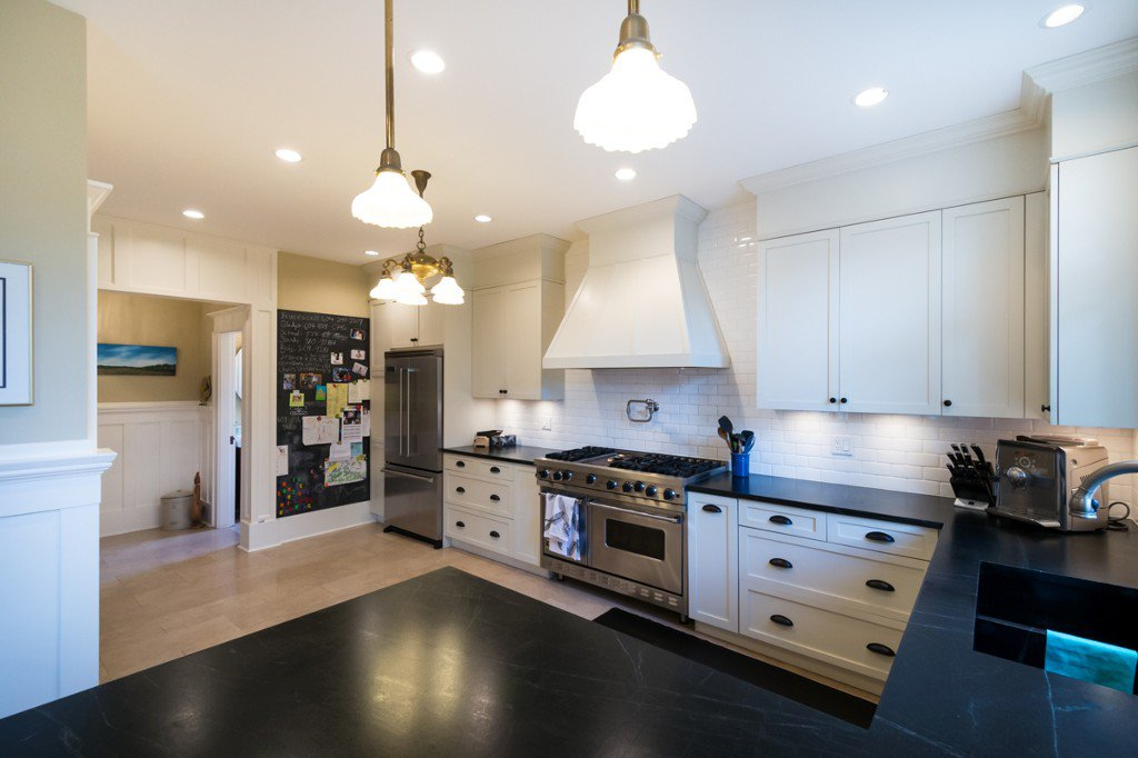 """Photo 6: Photos: 329 SECOND ST in New Westminster: Queens Park House for sale in """"QUEENS PARK"""" : MLS®# V1039472"""